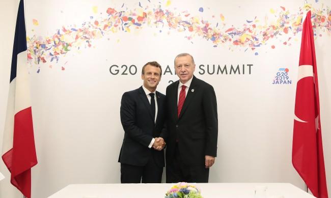Ердоган: Какъв е проблемът на този човек, наречен Макрон, с исляма?