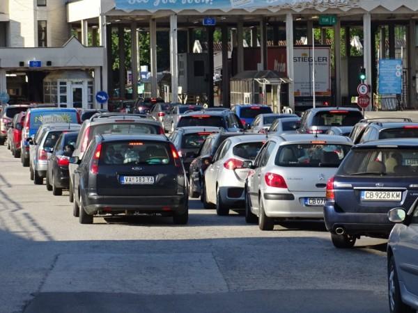 Гърция удължава срока на временните ограничения и изисквания при влизане