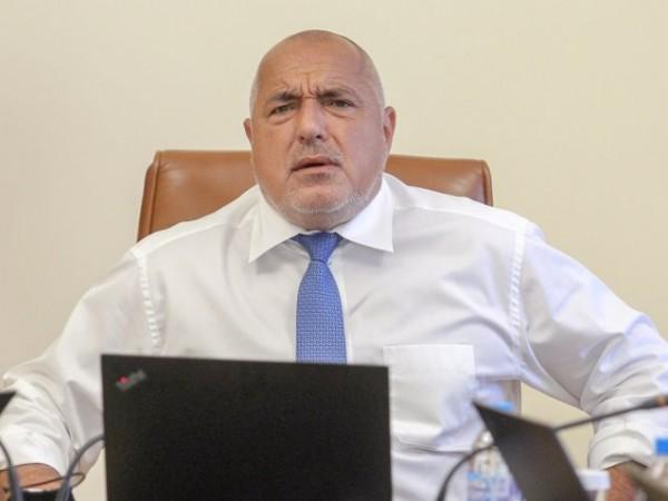 Премиерът Бойко Борисов продължава да изпълнява работните си задължения, въпреки
