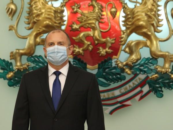 Президентът Румен Радев обяви в своя профил във Facebook, че