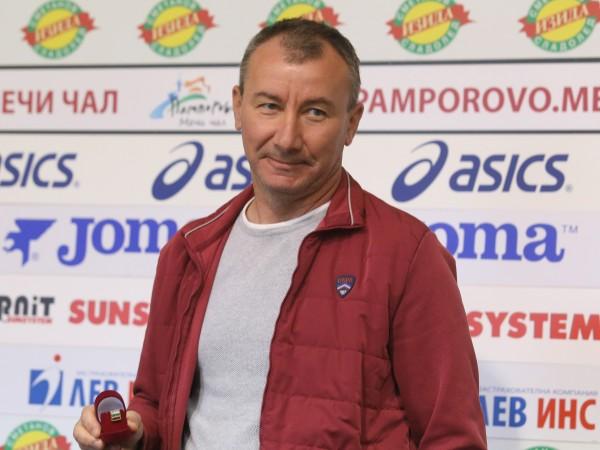 ЦСКА-София освобождава старши треньора Стамен Белчев след днешното равенство с