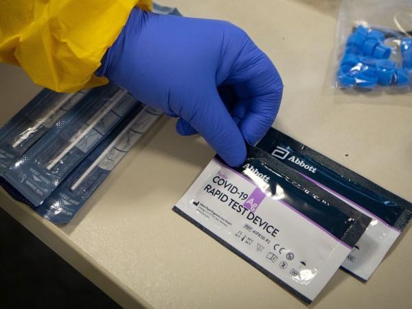 Тестовете за откриване на коронавируса не са напълно безгрешни. Понякога
