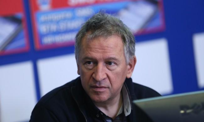 Д-р Кацаров: Нямаме план срещу вируса, тичаме срещу вятъра