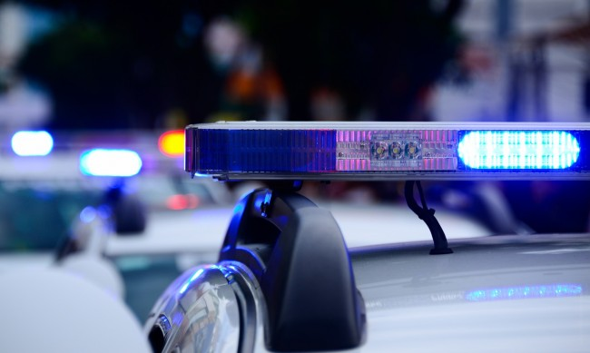 18-годишен шофьор блъсна мъж и жена на тротоар