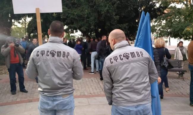 Полицаи в Бургас излизат на протест за по-високи заплати