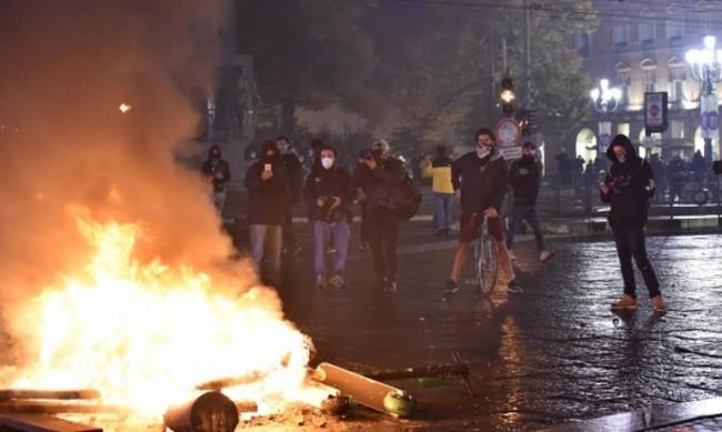 В Италия на протест срещу новите ограничения