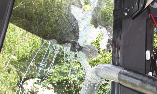 Гамени хвърлиха два камъка по рейс от линия 120 в столицата