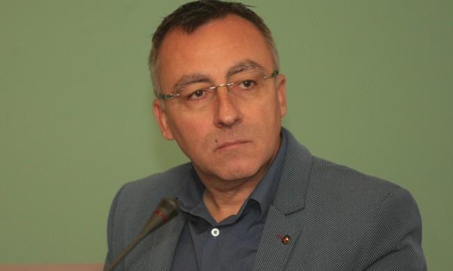 Диян Стаматов: Маска в час за известно време