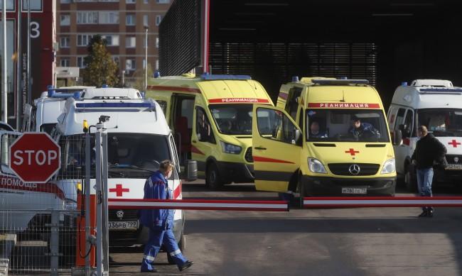 Русия с нови 16 550 случаи на COVID-19, затяга мерките