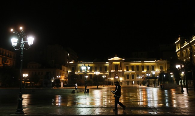 МВнР: В Гърция маската е задължителна при пътуване в кола