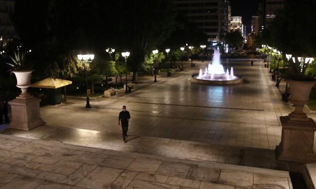 13 гръцки области заплашени от пълно затваряне