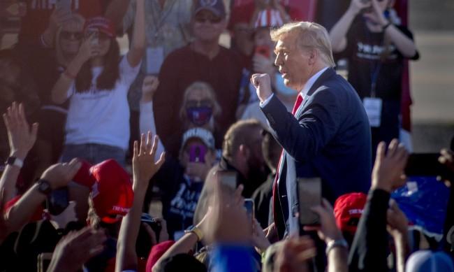 Тръмп и Байдън осъдиха насилието във Филаделфия