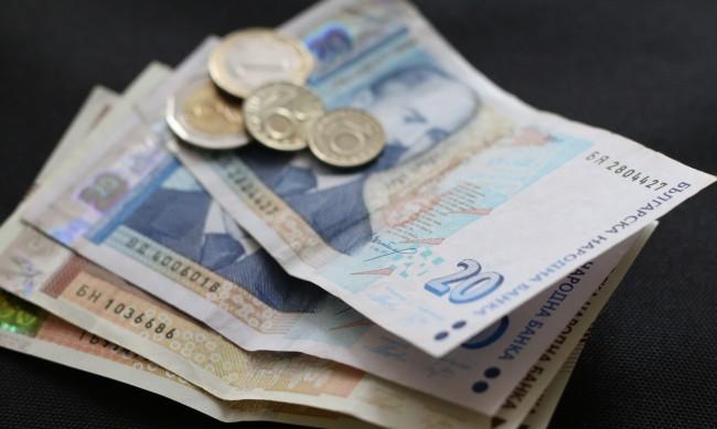 Рекордно ниски лихви на жилищните кредити