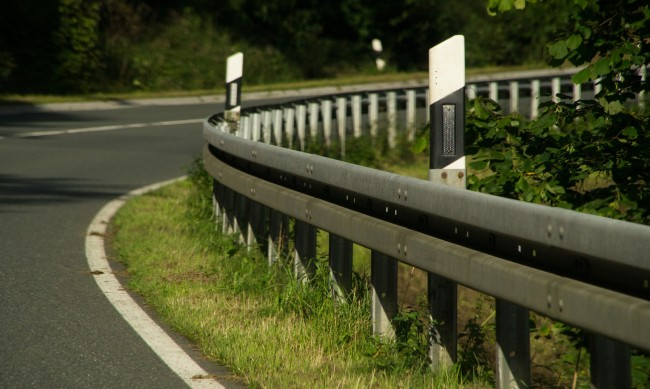 Шофьор на ТИР загина на място, обърнал се в канавка