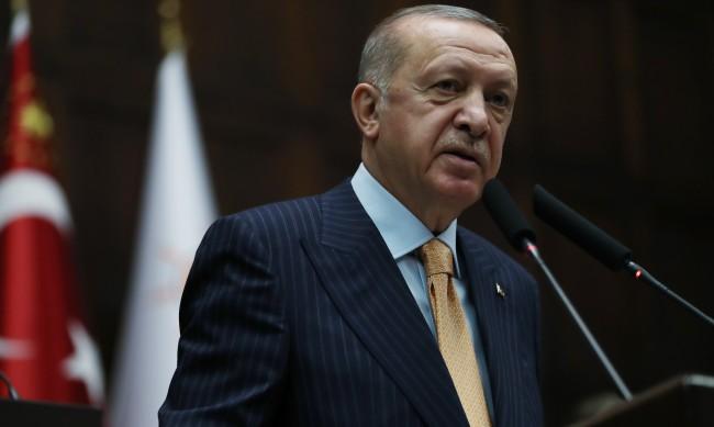 Политолог: Ердоган е в слаба позиция, опитва се да е лидер