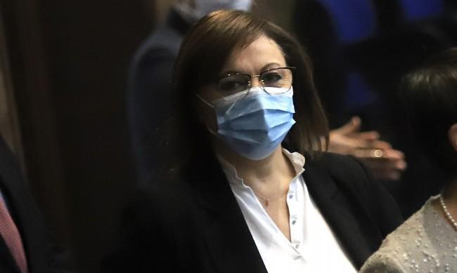 Нинова е добре, пожела здраве на всички българи