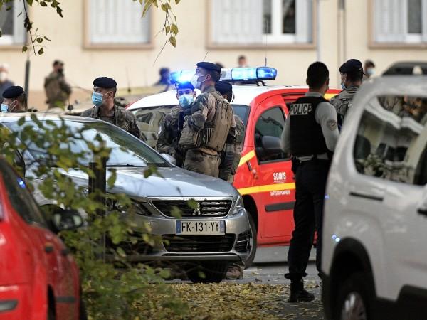 Френските служители на реда са задържали заподозрян като част от