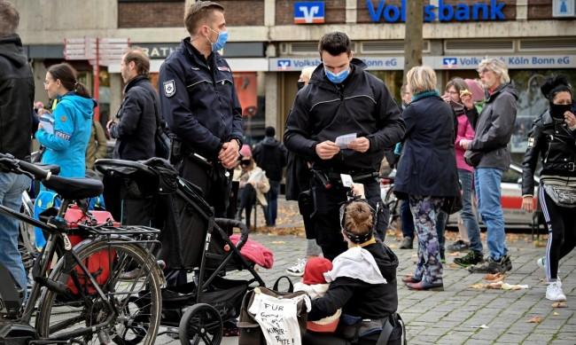 Протести в Германия срещу новите ограничения заради коронавируса