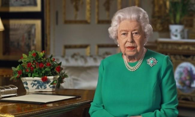 Кралица Елизабет II ще се оттегли през следващата година?