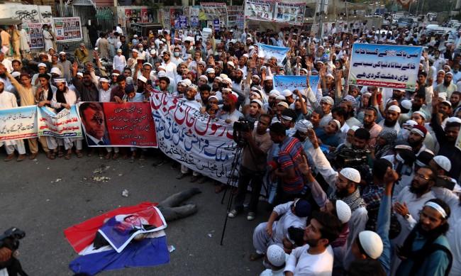 Мюсюлманите във Франция: Кой и защо ги радикализира?
