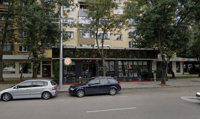От HelpBook: Незаконно заведение запазва паркоместа пред жилищен блок