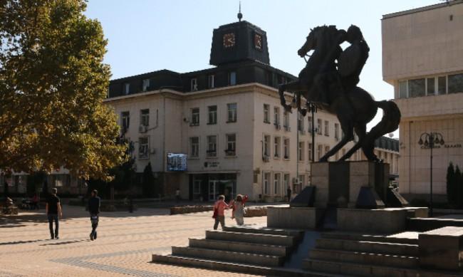 В Ловеч останаха с двама епидемиолози, другите пет са с коронавирус