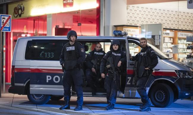 ВМРО: Терорът в Европа е война на цивилизациите и религиите