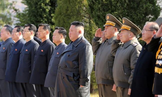 Северна Корея ще бори коронавируса с... противопехотни мини