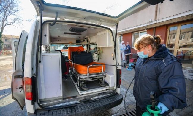 Лекарка от Спешна помощ пострада в катастрофа