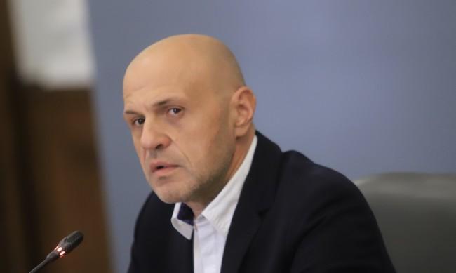 Дончев: Каква полза от още мерки, щом тези не се спазват?