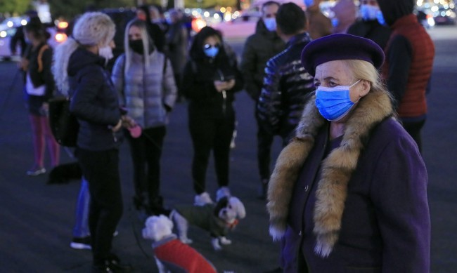 Строги мерки срещу коронавируса и в Румъния