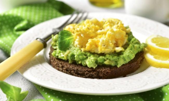 Рецептата Dnes: Закуска с яйце и авокадо