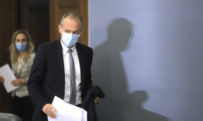 Училищата с право да задължават учениците да носят маски в клас