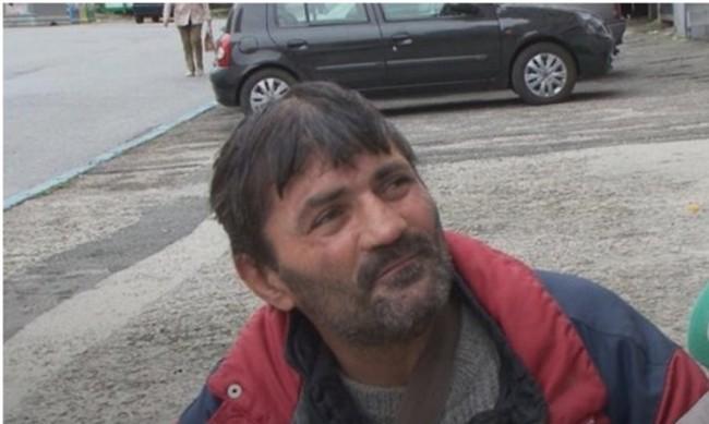 Бездомник с два акта за 600 лв. в Бургас, нямал маска