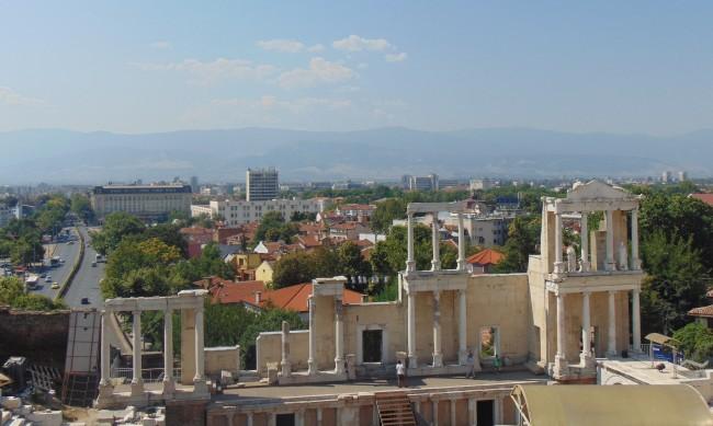 Учениците от 6 до 12 клас в Пловдив онлайн от утре