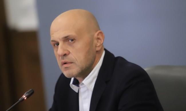 Дончев уверява: Има готовност за по-строги мерки, но без затваряне на държавата