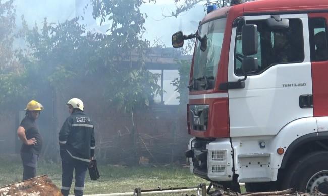 28-годишен изгоря в пламнала къща в Добричко