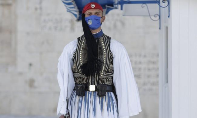 Българите без постоянен адрес в Гърция се прибират само с удостоверение