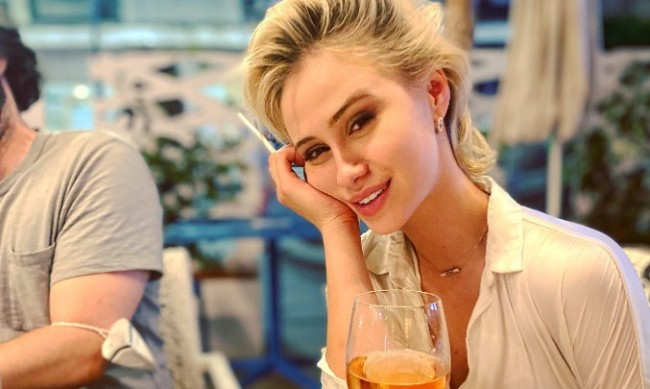 Мария Бакалова за Борат, стереотипите и сцената с Руди Джулиани