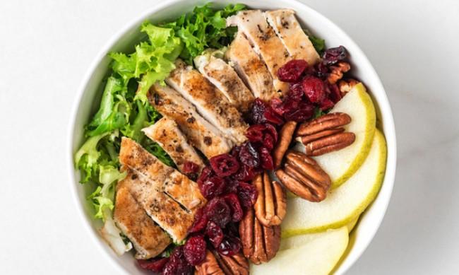 Рецептата Dnes: Салата с пилешко и айсберг