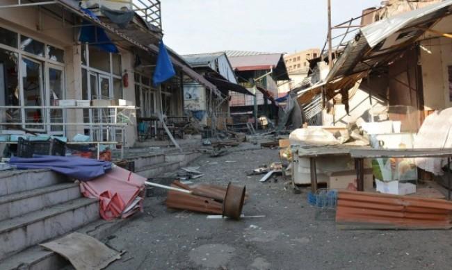 Арменци палят къщите си в Нагорни Карабах