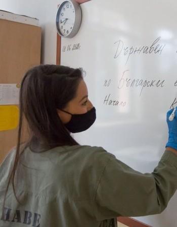 Родители доброволци влизат да преподават в Бургас