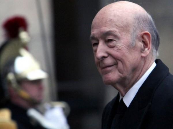Бившият президент на Франция Валери Жискар д`Естен беше приет в