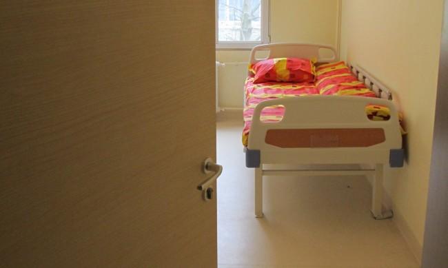 Военни даряват чаршафи и легла за ковид болницата в Пловдив