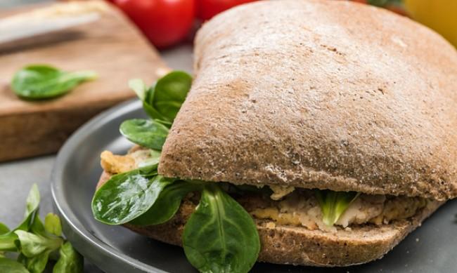 Рецептата Dnes: Средиземноморски сандвич без месо