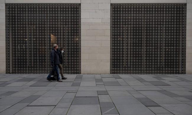 СЗО: Локдаунът в Европа можеше да се избегне с носене на маски