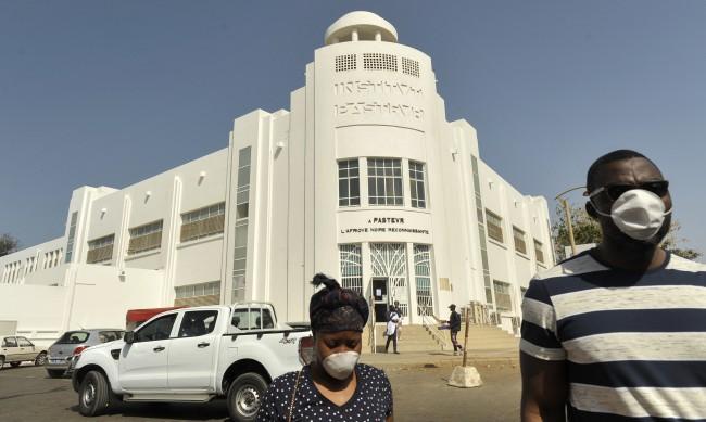 Над 100 души се заразиха с неизвестна болест в Сенегал
