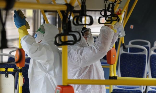 В Русия убиха мъж, помолил двама да си сложат маските