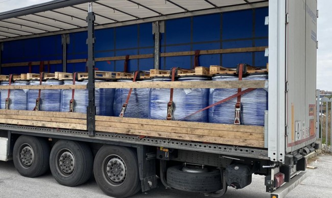 Извозиха 22 тона стари пестициди край с. Медковец