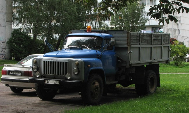 ГАЗ, КРАЗ, КАМАЗ: Камионите, които построиха комунизма